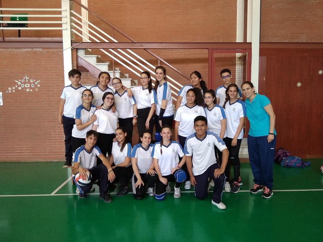 Equipo de voleibol del Centro Virgen Milagrosa